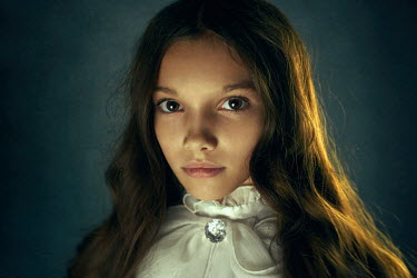 Alexander Vinogradov HISTORICAL YOUNG GIRL Women