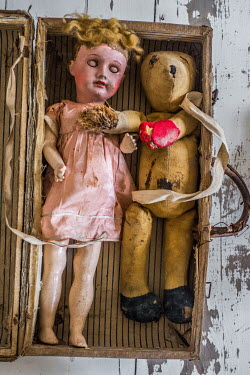 Elly De Vries SHABBY DOLL AND TEDDY BEAR Miscellaneous Objects