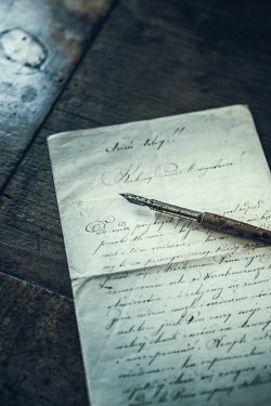 Magdalena Russocka HANDWRITTEN LETTER WITH FOUNTAIN PEN Miscellaneous Objects