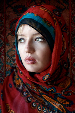 Kamil Akca GYPSY WOMAN WITH SHAWL Women