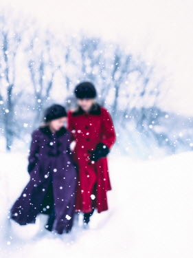 Elisabeth Ansley MOTHER AND DAUGHTER IN SNOW Women
