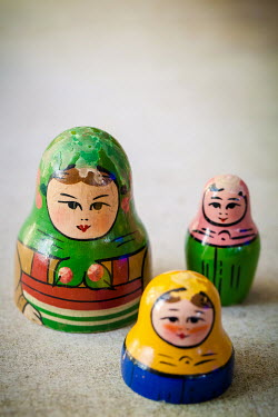 Des Panteva THREE RUSSIAN DOLLS Miscellaneous Objects