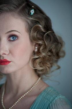 Lee Avison beautiful 1930s high society woman Women