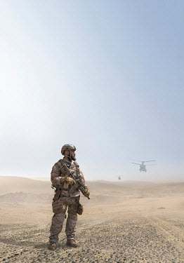 CollaborationJS SOLDIER WITH HELICOPTERS IN DESERT Men