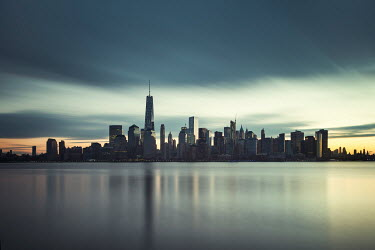 Evelina Kremsdorf NEW YORK SKYLINE AT DUSK Specific Cities/Towns