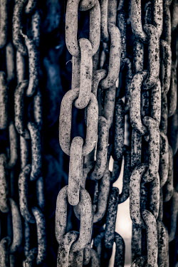 Benjamin Harte CLOSE UP OF OLD LARGE CHAINS Miscellaneous Objects