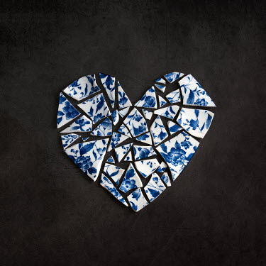 Holly Leedham BROKEN CHINA IN HEART SHAPE Miscellaneous Objects