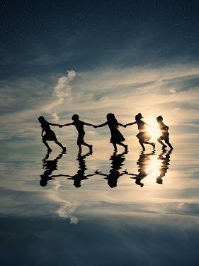 Elisabeth Ansley CHILDREN PLAYING IN WATER Children