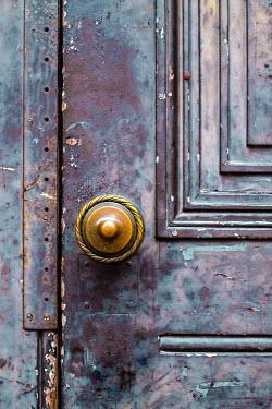 Benjamin Harte ROUND HANDLE ON OLD DOOR Building Detail