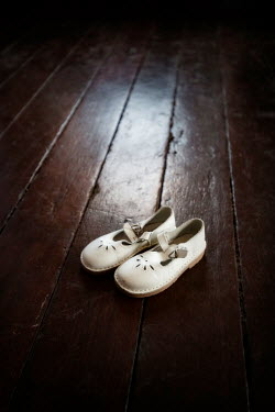 Sally Mundy WHITE RETRO CHILDREN'S SHOES ON FLOOR Miscellaneous Objects