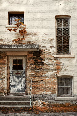 Jude McConkey DERELICT EXTERIOR OF WHITE HOUSE Houses