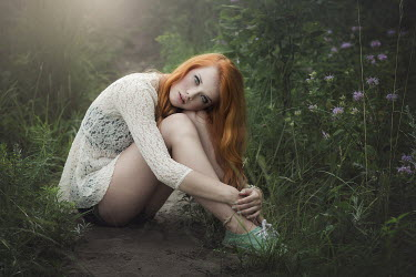 Pauly Pholwises GIRL WITH RED HAIR SITTING IN GARDEN Women