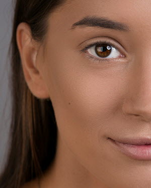 Aida Redzepagic CLOSE UP OF FACE OF BRUNETTE GIRL Women