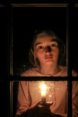 Stephen Carroll GIRL HOLDING CANDLE AT WINDOW Children