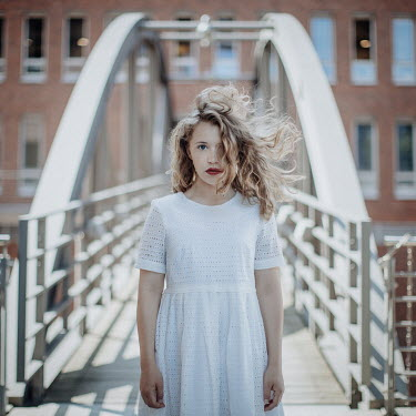 Dasha Pears GIRL WITH SMEARED LIPSTICK ON BRIDGE Children