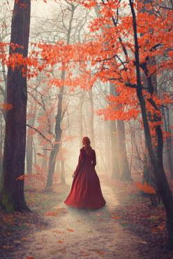 Drunaa Woman in autumn forest Women