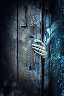 Magdalena Russocka spooky hand opening door Women