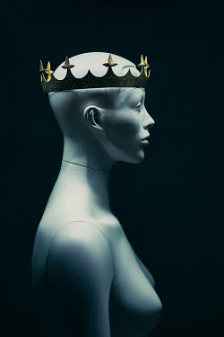 Magdalena Russocka close up of female dummy with crown Miscellaneous Objects