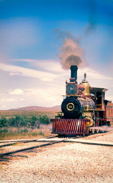 Jill Battaglia HISTORICAL TRAIN IN AMERICAN LANDSCAPE Railways/Trains