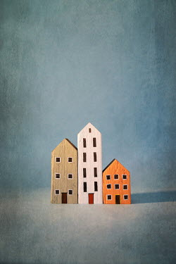 Peter Chadwick THREE MINIATURE PAINTED HOUSES Miscellaneous Objects