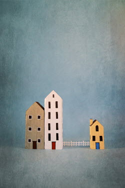 Peter Chadwick THREE MINIATURE PAINTED HOUSES AND FENCE Miscellaneous Objects
