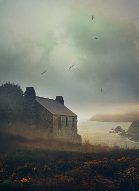 Mark Owen OLD STONE COTTAGE BY THE SEA Houses