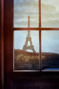 Drunaa WINDOW WITH VIEW OF EIFEL TOWER Miscellaneous Cities/Towns