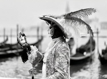 Elisabeth Ansley VENETIAN GONDOLAS AND PERSON WEARING MASK Body Detail