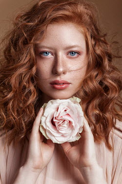 Nadja Berberovic WOMAN WITH RED HAIR AND PINK ROSE Women