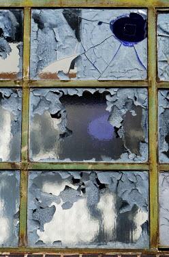 Ute Klaphake CRACKED WINDOWS WITH PEELING PAINT Building Detail