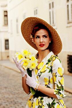 Jasenka Arbanas RETRO WOMAN IN HAT WITH FLOWERS IN URBAN STREET Women