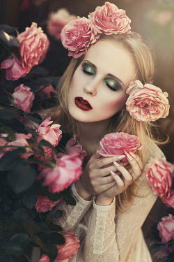 Beata Banach DREAMY WOMAN WITH ROSES IN GARDEN Women