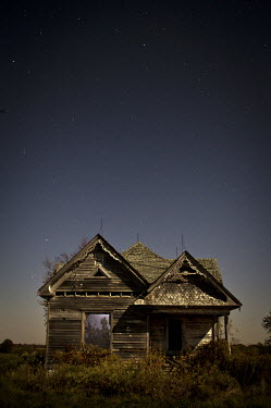 Rodney Harvey EXTERIOR OF OLD DERELICT HOUSE IN MOONLIGHT Groups/Crowds