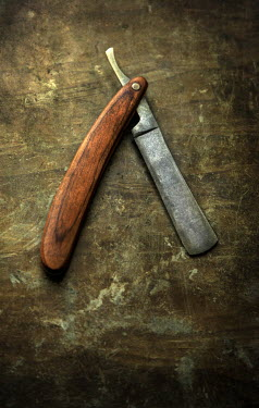 Jaroslaw Blaminsky OLD CUT THROAT RAZOR FROM ABOVE Miscellaneous Objects
