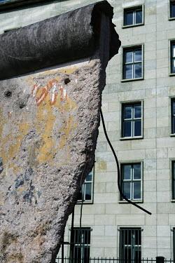 Ute Klaphake BROKEN CONCRETE WALL AND BUILDING Building Detail