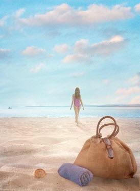 Drunaa WOMAN ON SANDY BEACH Women