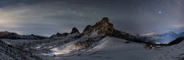 Ollie Taylor MOUNTAIN RANGE AND STARRY SKY Seascapes/Beaches