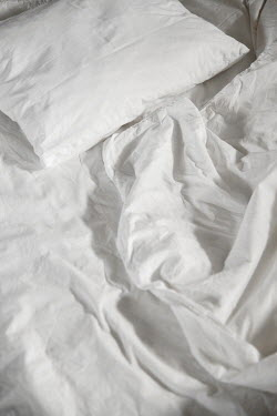 Maria Petkova CRUMPLED WHITE SHEETS AND PILLOW CASE Miscellaneous Objects