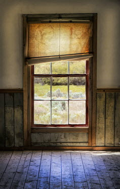 Jill Battaglia WINDOW WITH BLIND IN EMPTY HOUSE Building Detail
