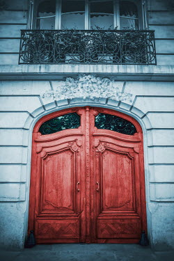 Ildiko Neer LARGE WOODEN DOOR IN GRAND BUILDING Building Detail