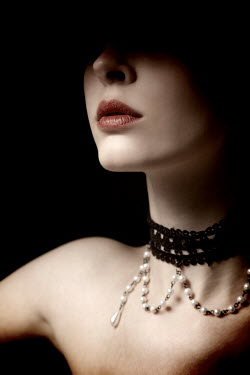 Miguel Sobreira WOMAN WEARING LACE AND PEARL CHOKER Women