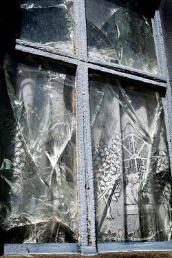 Ute Klaphake BROKEN WINDOWS AND NET CURTAINS Miscellaneous Objects