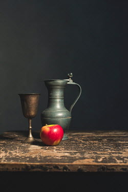 Ysbrand Cosijn APPLE WITH METAL CUP AND JUG Miscellaneous Objects