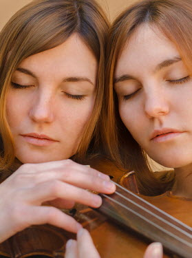 Svitozar Bilorusov TWO YOUNG WOMAN WITH VIOLIN Women