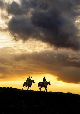 Stephen Mulcahey TWO WW1 CALVARY OFFICERS ON HORSEBACK Men