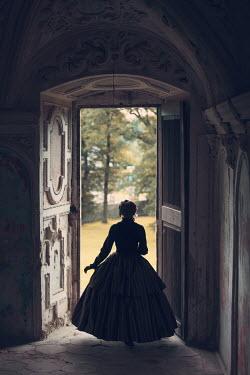 Magdalena Russocka victorian woman standing in doorway Women