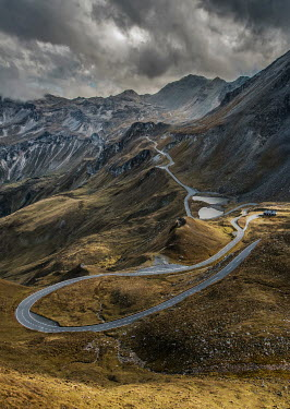 Jaroslaw Blaminsky WINDING ROAD UP MOUNTAINS Roads