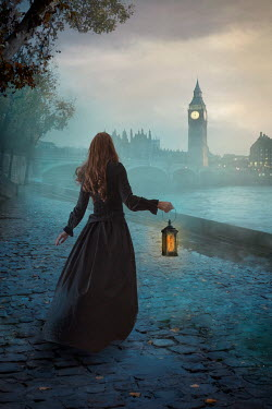 Drunaa historical Woman near London river