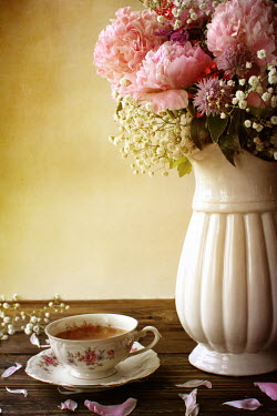 Stephanie Frey CUP OF TEA WITH VASE AND FLOWERS Flowers