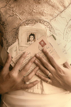 Ebru Sidar HISTORICAL WOMAN HOLDING POSTCARDS AND LETTERS Women